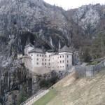 Château de Predjama en Slovénie